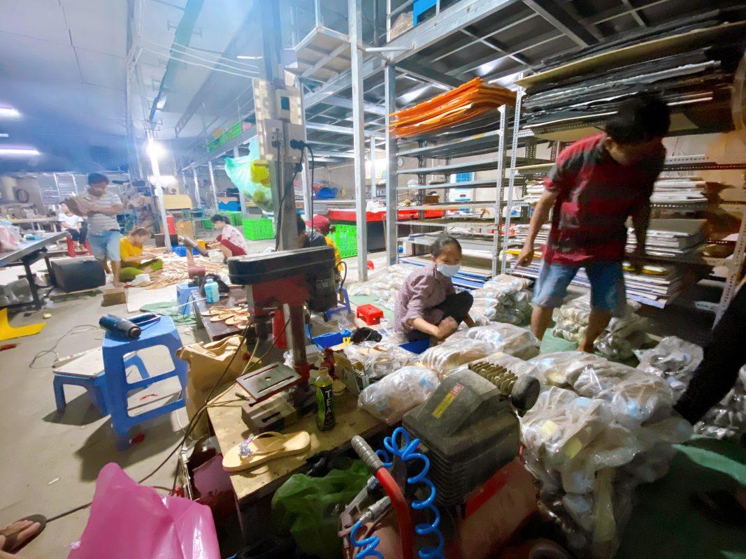 Xưởng sản xuất giày dép giá sỉ ở TPHCM