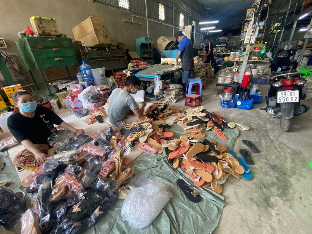 Cơ sở sản xuất giày dép uy tín