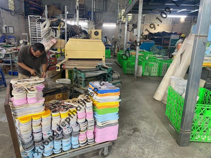 Xưởng dép sản xuất giày dép